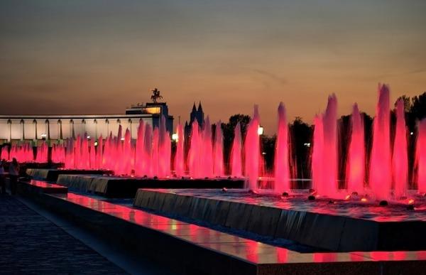 Фонтанный комплекс в Парке Победы