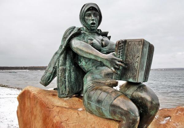 Памятник «Солнечногорская Русалочка»