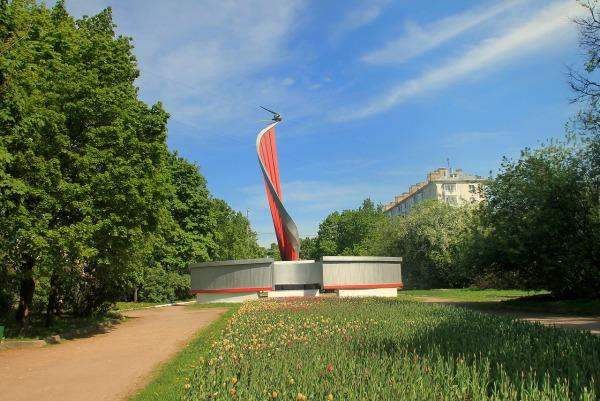 Памятник «Первый искусственный спутник Земли»