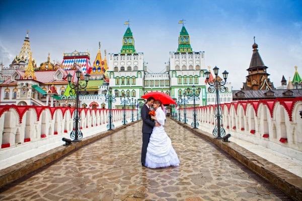 Пешеходный мост в Измайловский Кремль