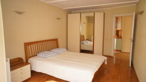 Apartment 3-ya Mytischinskaya