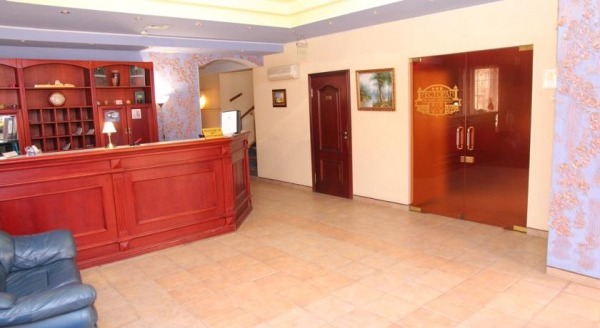 Отель Четыре Короны