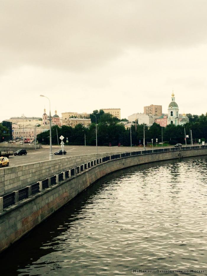 вид на Ивановскую горку с Астаховского моста
