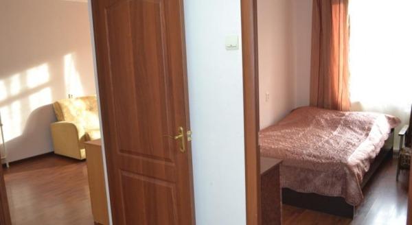 Rezident Апартаменты на Симферопольском Бульваре