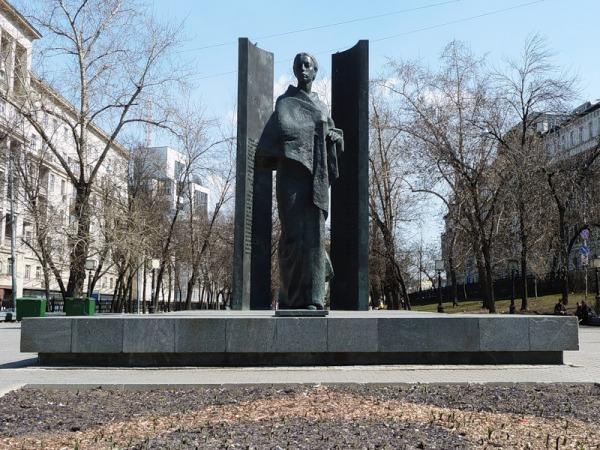 Памятник Н.К. Крупской