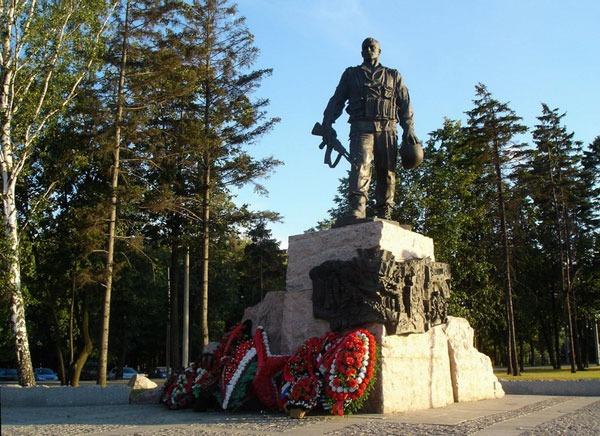 Памятник Воинам-интернационалистам на Поклонной горе