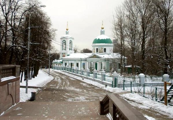 Троицкая церковь Живоначальная на Воробьевых горах