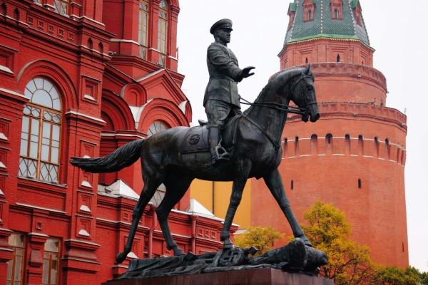 Памятник маршалу Советского Союза Г.К. Жукову