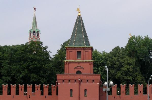 Петровская башня Кремля
