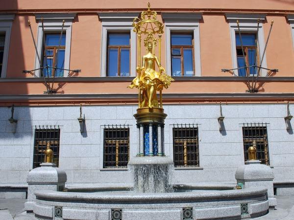 Фонтан - памятник «Принцесса Турандот»
