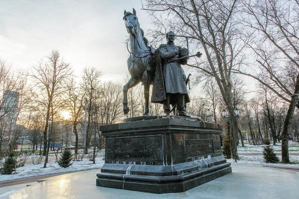 Памятник Матвею Платову