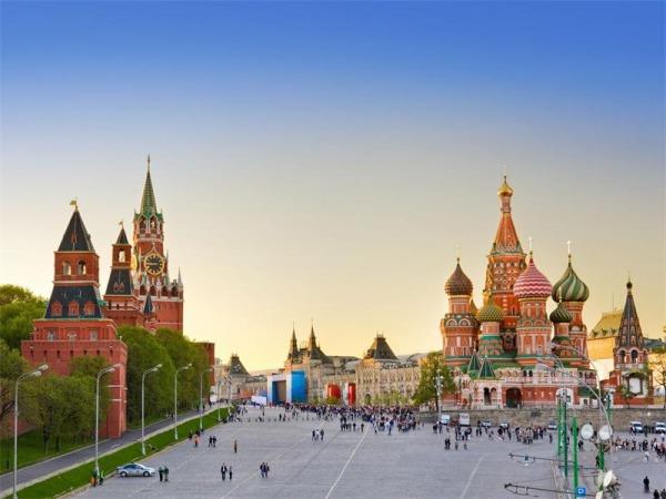 Красная площадь - главная площадь страны